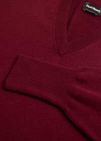 Scottish Cashmere V-Neck Sweater, thumbnail 43