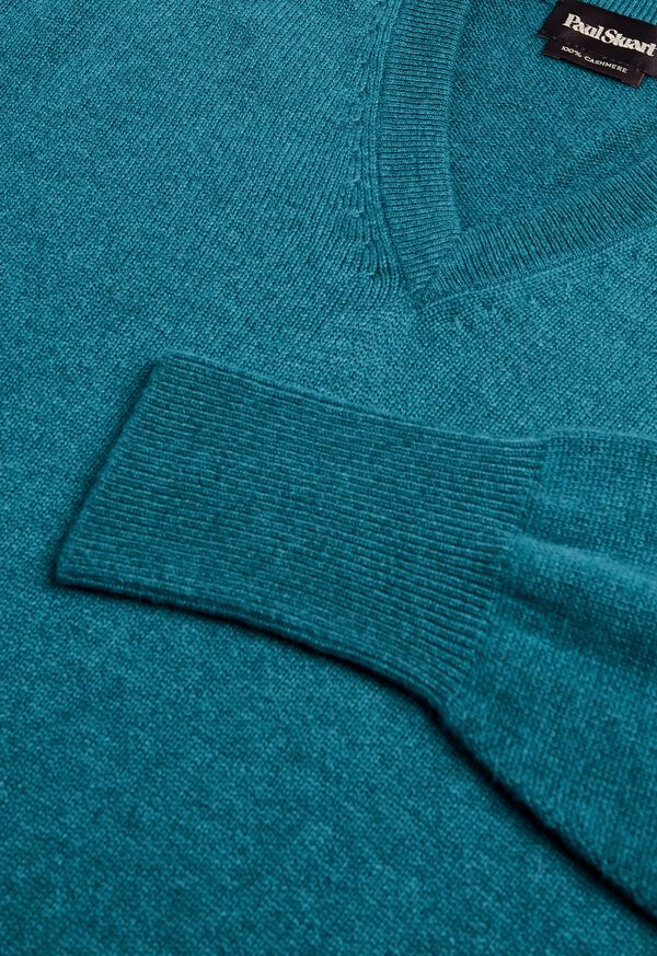 Scottish Cashmere V-Neck Sweater, image 39