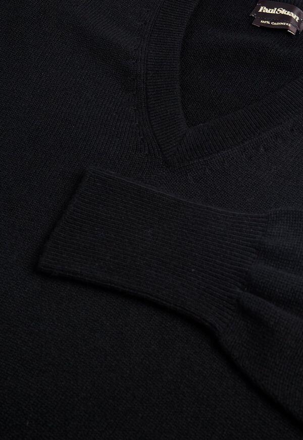 Scottish Cashmere V-Neck Sweater, image 35