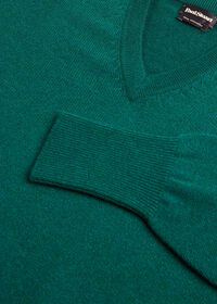 Scottish Cashmere V-Neck Sweater, thumbnail 38