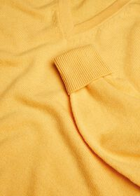 Scottish Cashmere V-Neck Sweater, thumbnail 33