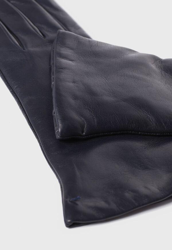 3 Button Glove, image 2