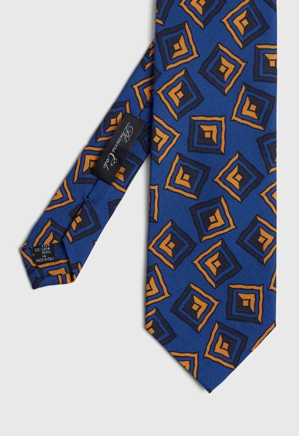 Silk Triangle 3 Folds Self Tip Tie