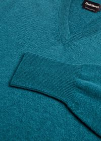 Scottish Cashmere V-Neck Sweater, thumbnail 39