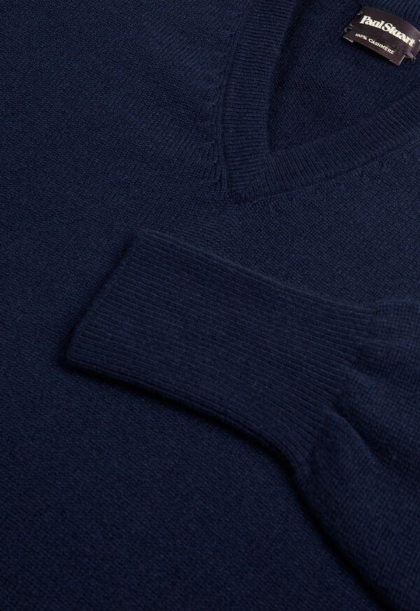 Scottish Cashmere V-Neck Sweater, image 40