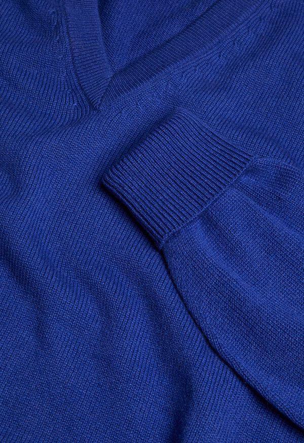 Scottish Cashmere V-Neck Sweater, image 28